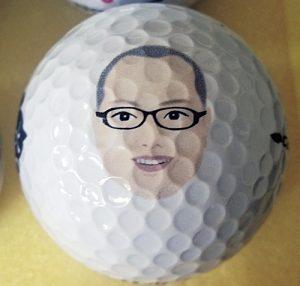 似顔絵入りゴルフボールUV印刷